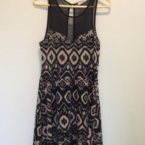 TIMING FIT AND FLAIR KNIT DRESS WITH MESH SIZE XL